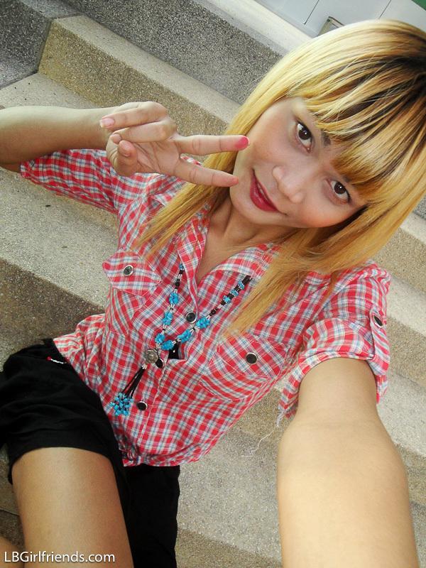 Adorable Blonde Transexual Wa Takes Self Shot Pics