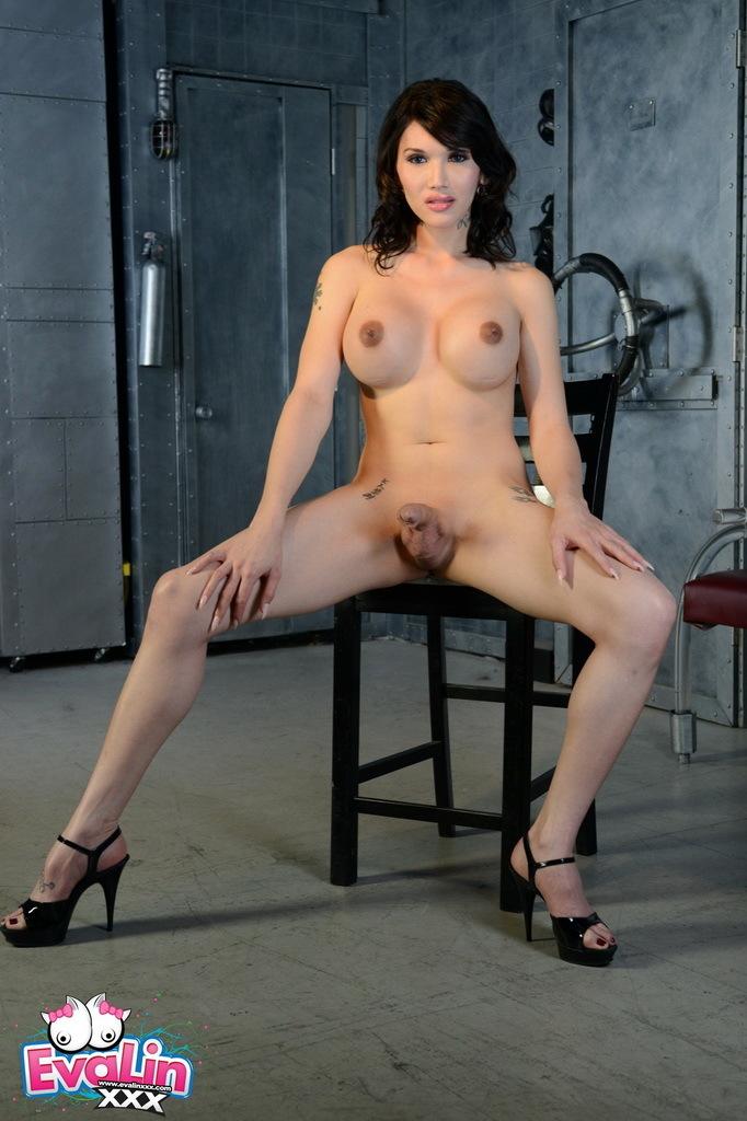 Alluring Eva Strips And Rub's