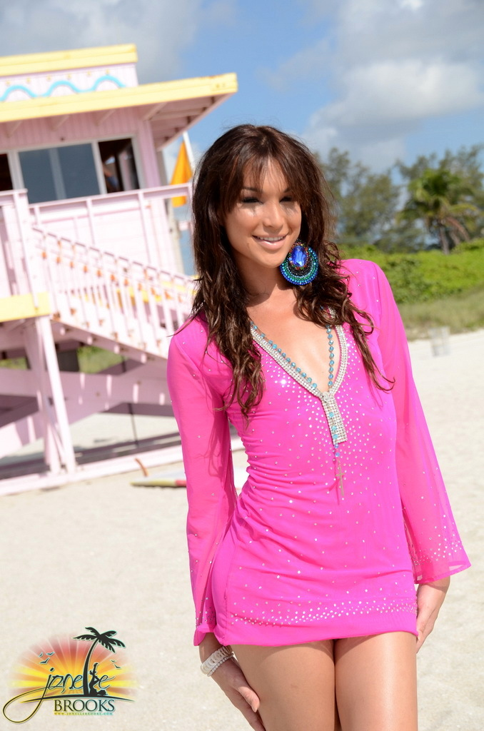 alluring tranny jonelle posing on the beach - Tgirl Worship