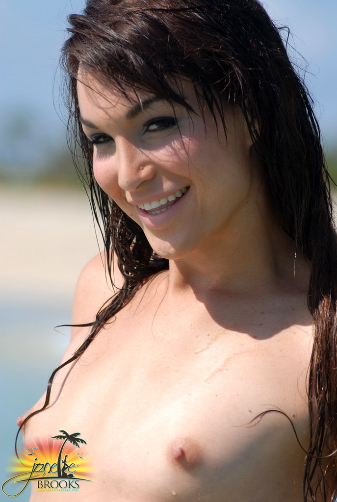 Beautiful Transsexual Jonelle Posing In The Water