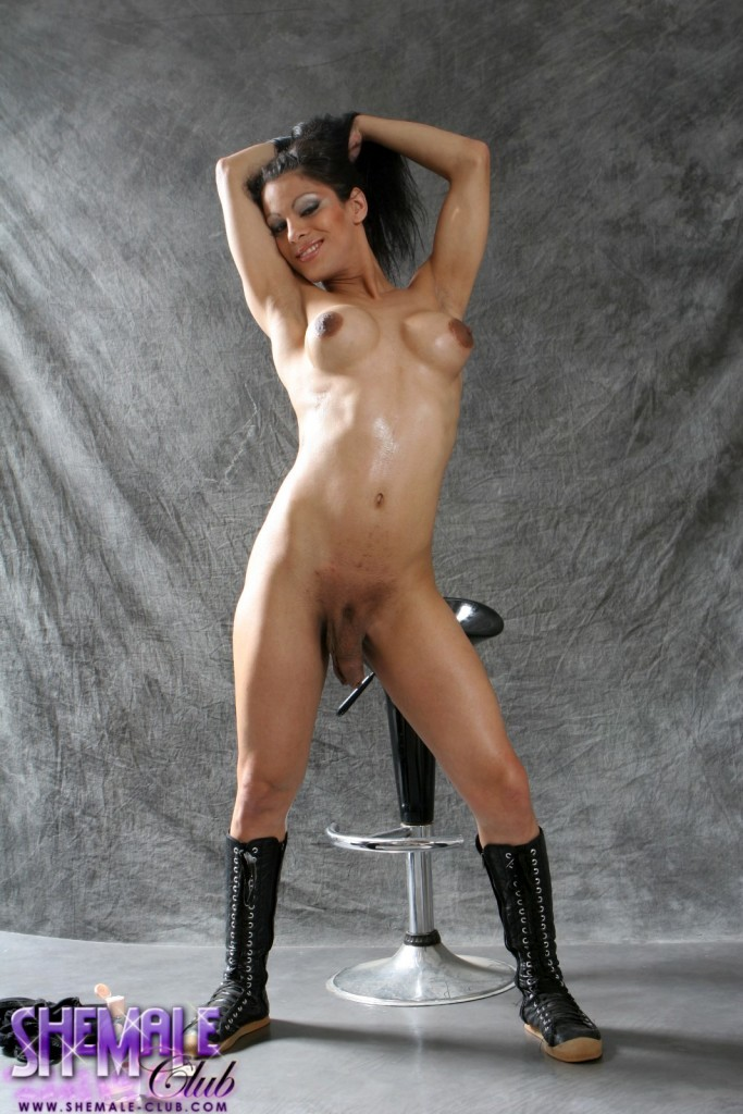 Busty Morena Del Sol Posing Her Juicy Penis