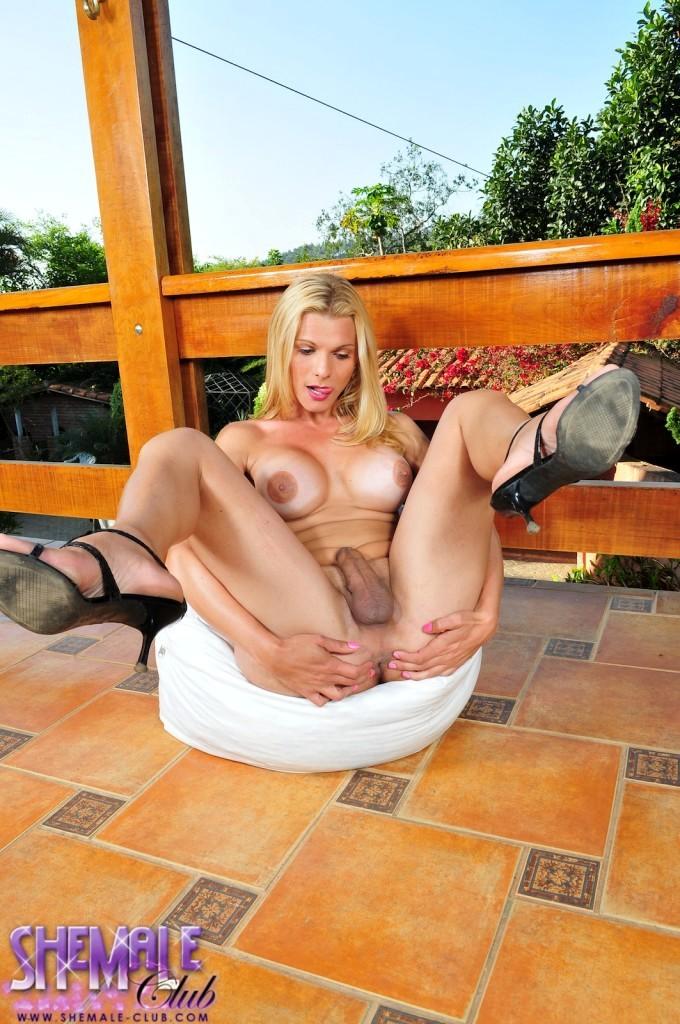 Busty Samara De Macedo Posing Her Enormous Boobs And Dick