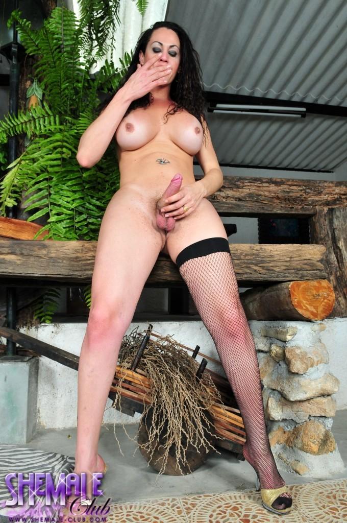 Cute Hottie Rabeche Rayale Posing