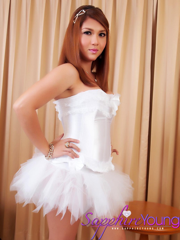 Feminine Thai Trans Girl Is A Sensual Ballerina