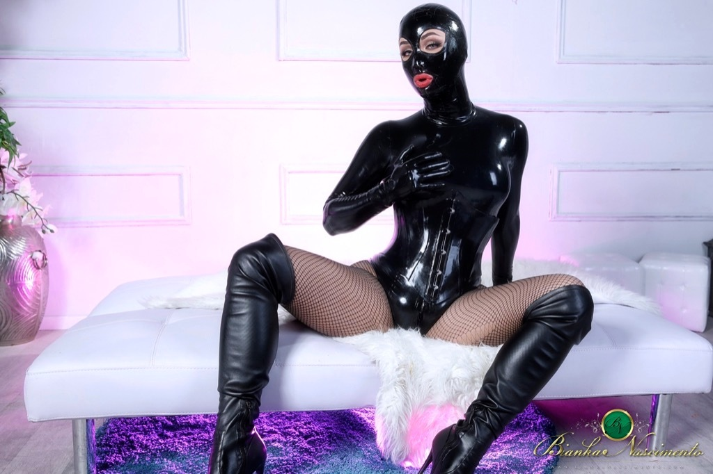 Her Royal Kinkiness Bianka Reveals Her Thick Bulge Behind Her Tight Latex