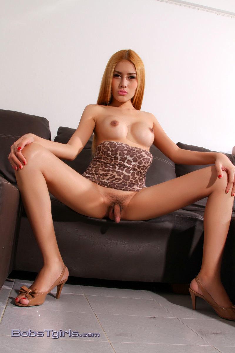 Honey Masturbating In Leopard Skirt