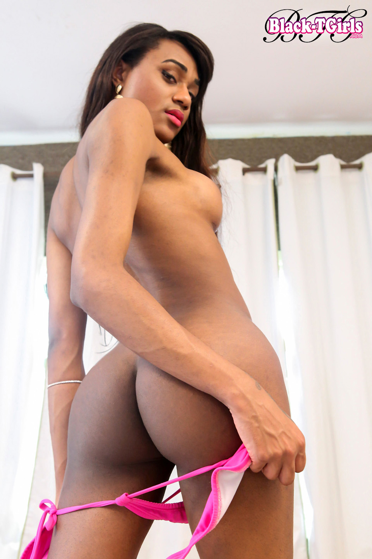 Hot Luiza Trajano Is A Sensuous Skinny Brazilian Shemale With