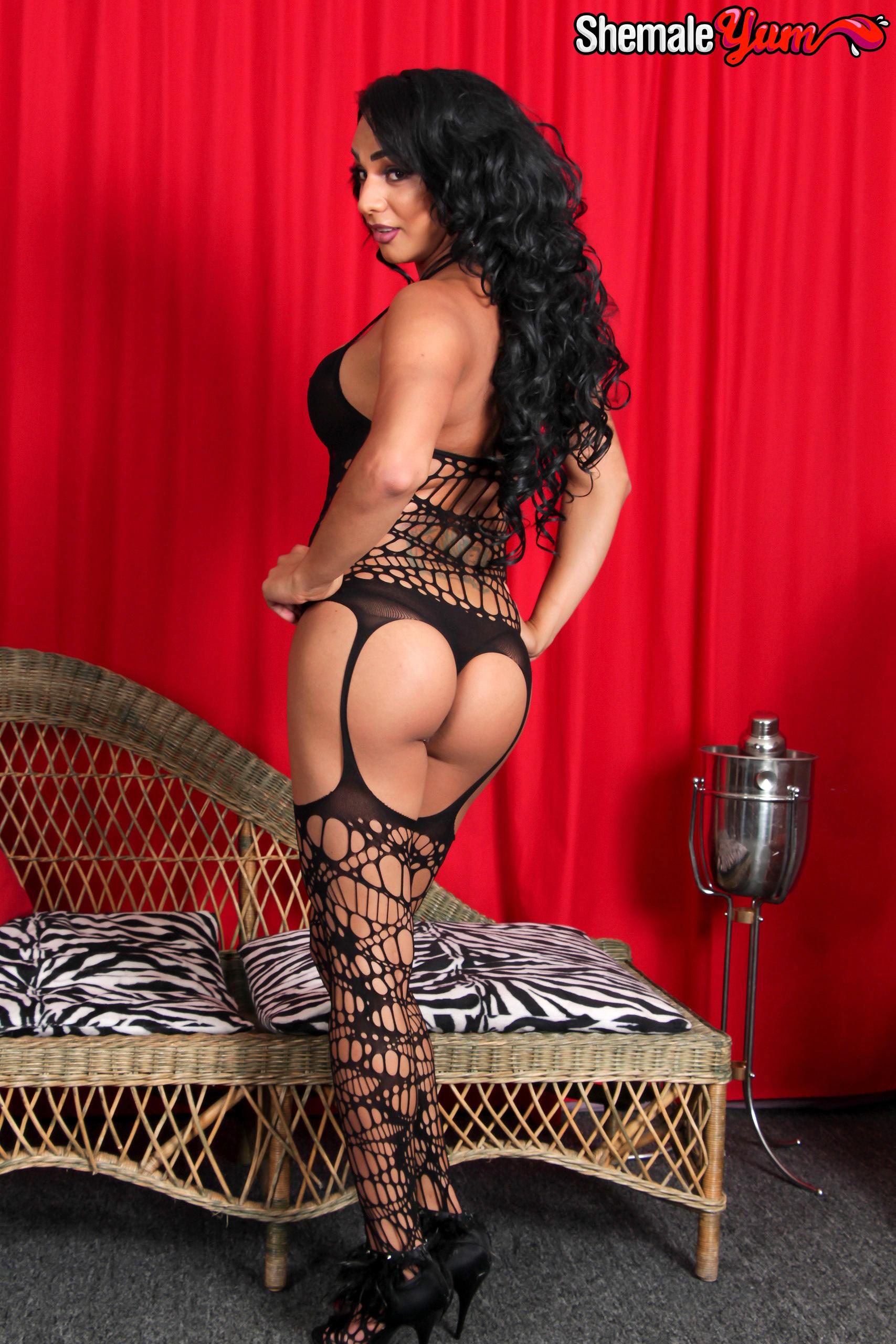 Inviting Latina Femboy Christine!