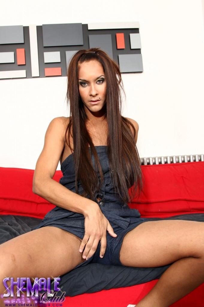 Irresistible Brunette Agostina Showing Her Marvelous Body