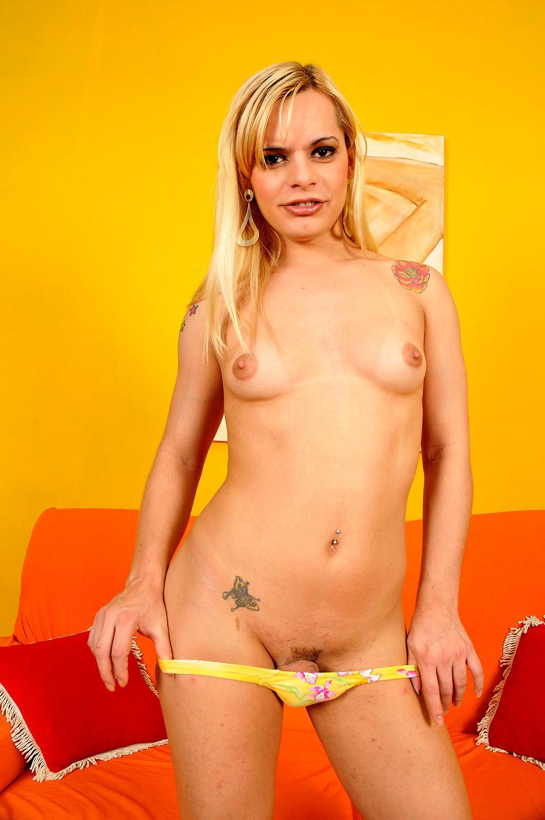 Kissable Blonde Femboy Thays Schiavinato Strips Down And Poses