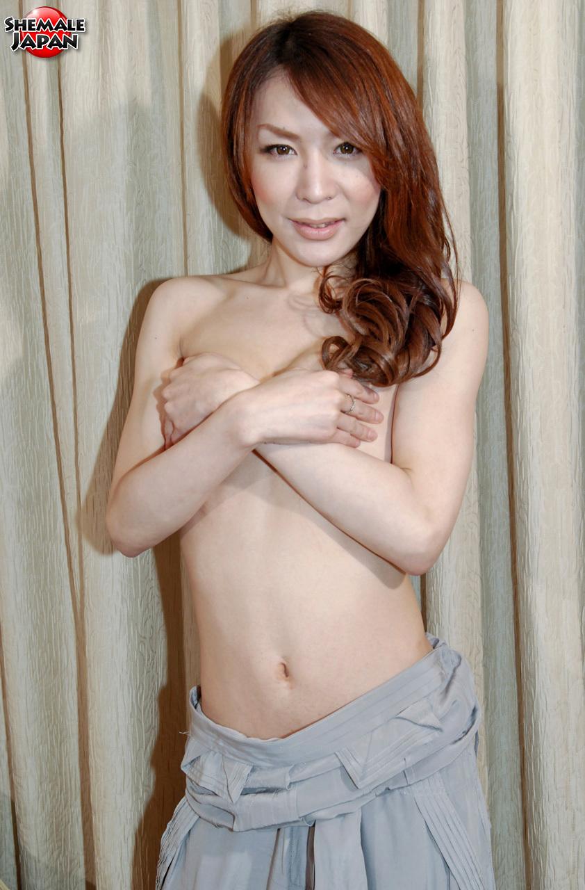 Ladyboy Pictures: Yuu - Seductive Dancer S Body!