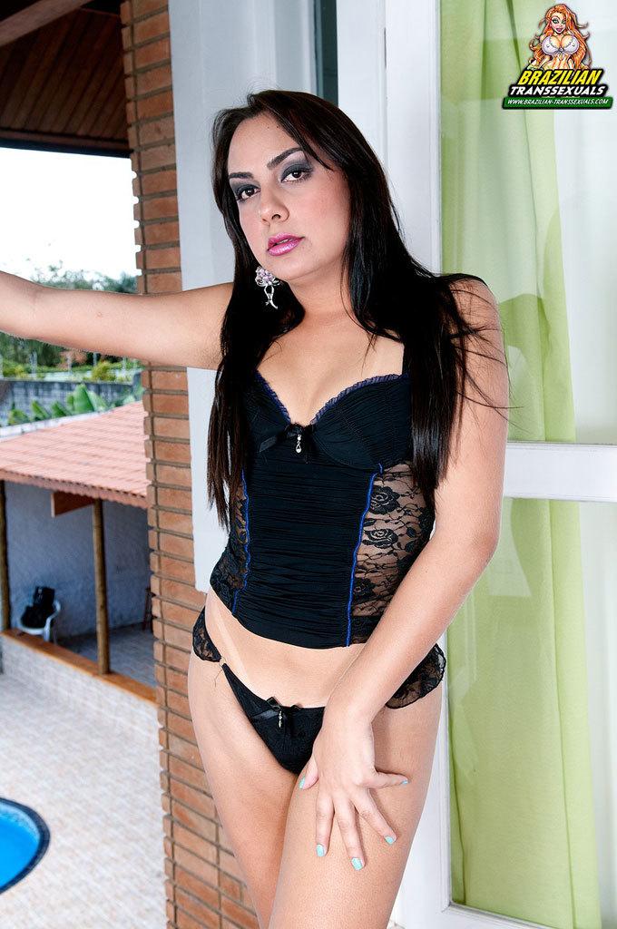 Latin T-Girl Mega Babe