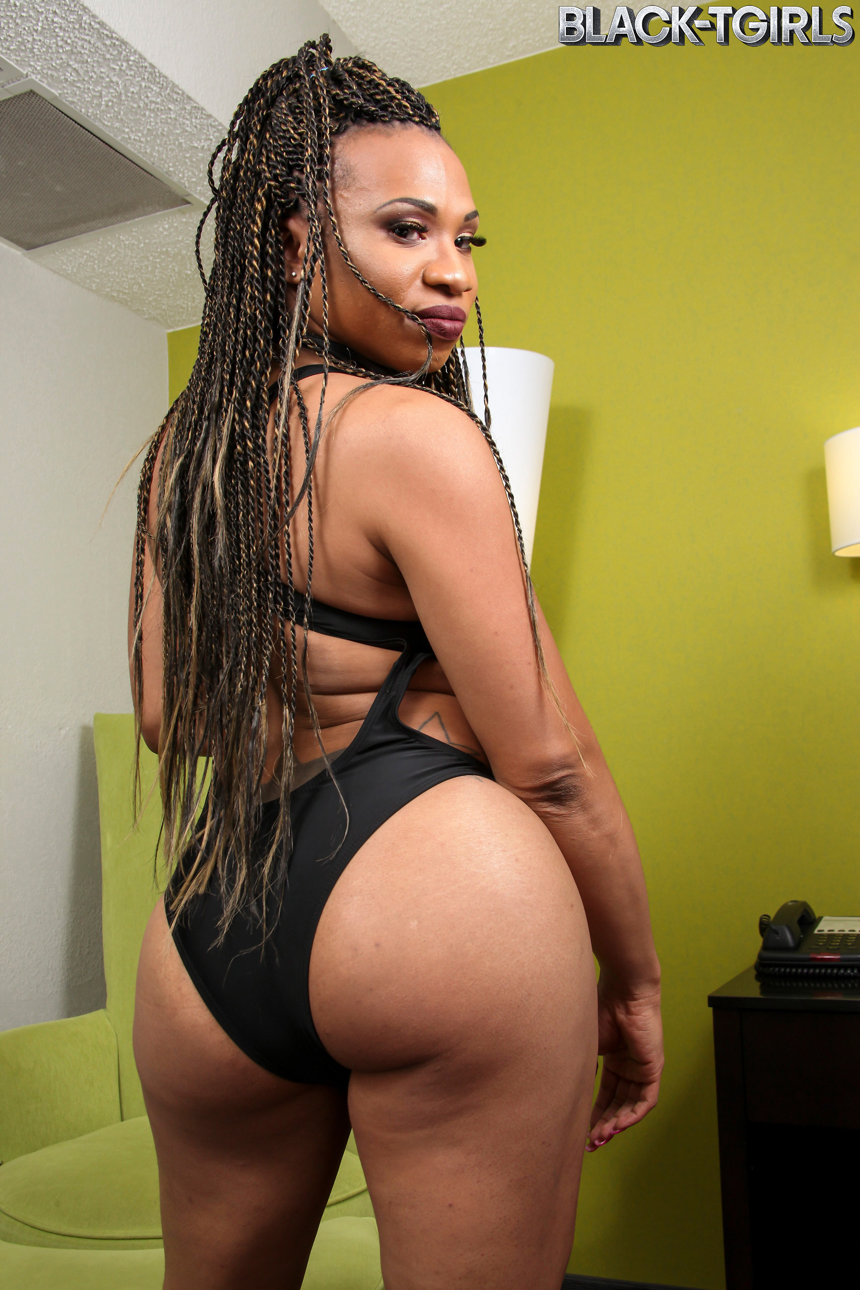Lisa Stays Rough Is A Smoking Kissable Black Transexual With An Marvelous