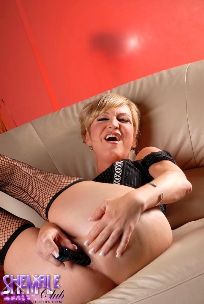 Mature Tgirl Olivia Love Toying Her Asshole Good