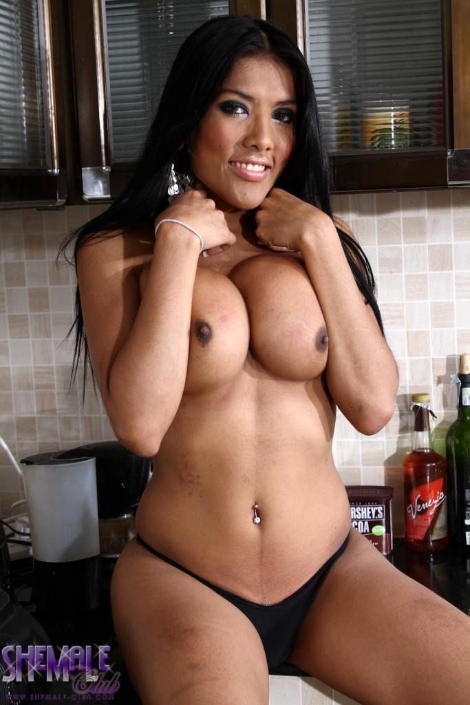 Pretty Joy Posing Her Big Tits Shecock