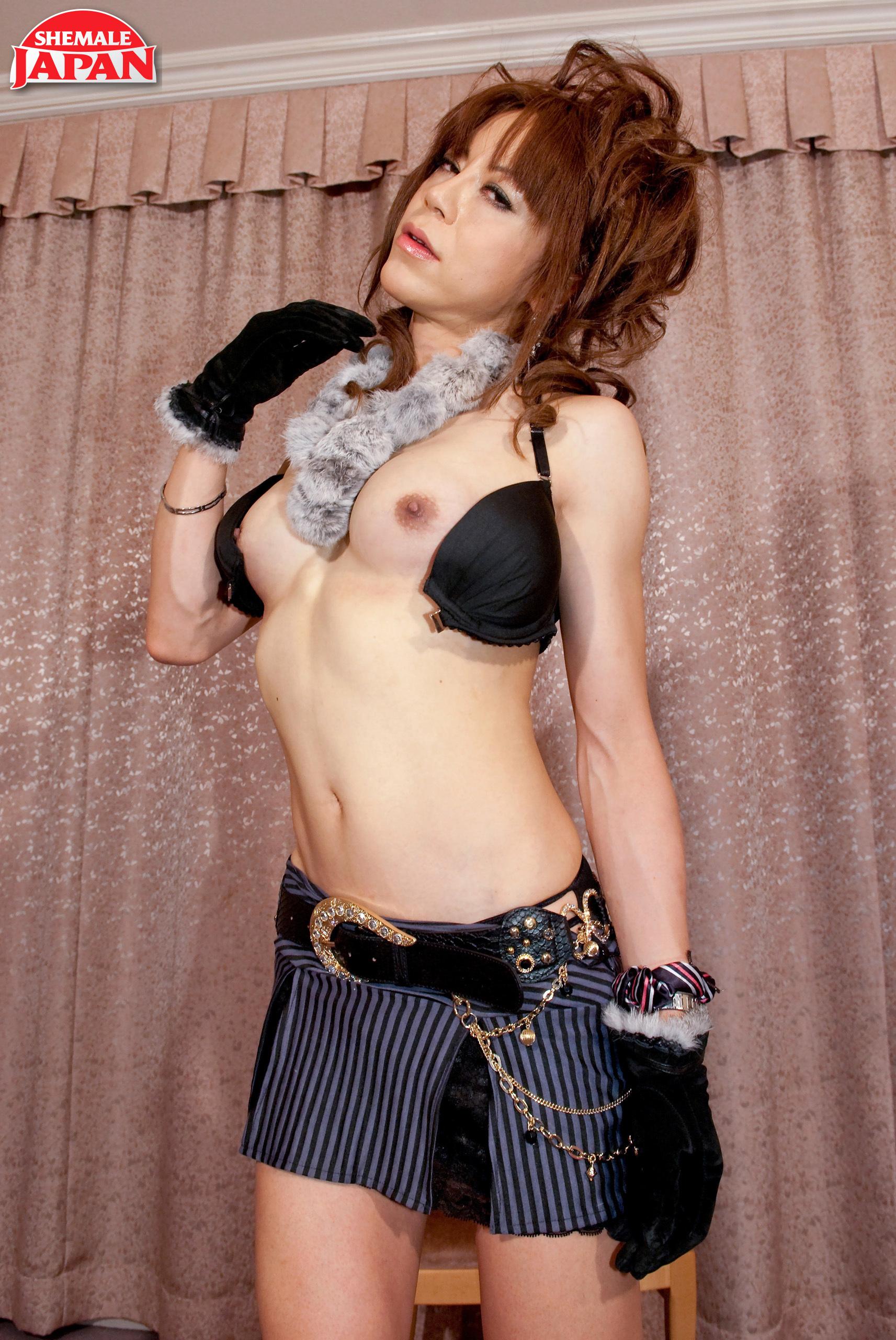 Sensual Seira Mikami!