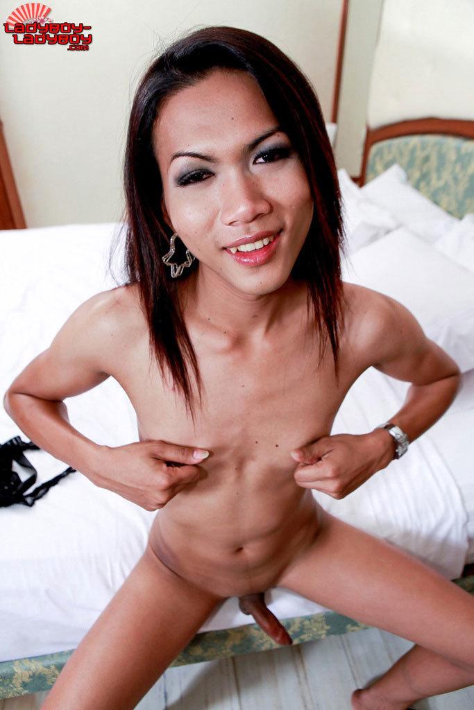Slutty Slender Tgirl
