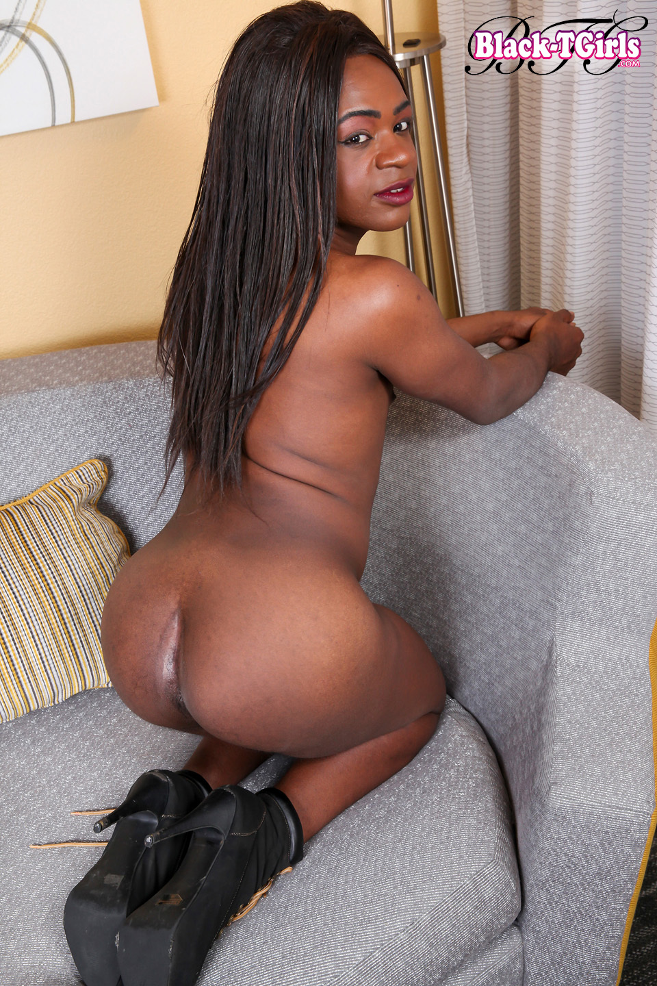 Suggestive Diamond Jai Is A Inviting Ts With A Steamy Body, Great Ass-Hole