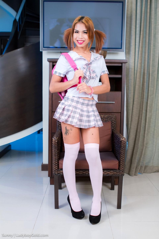 Sunny Is A Slutty Schoolgirl! She Desires Teasing Boys In Short