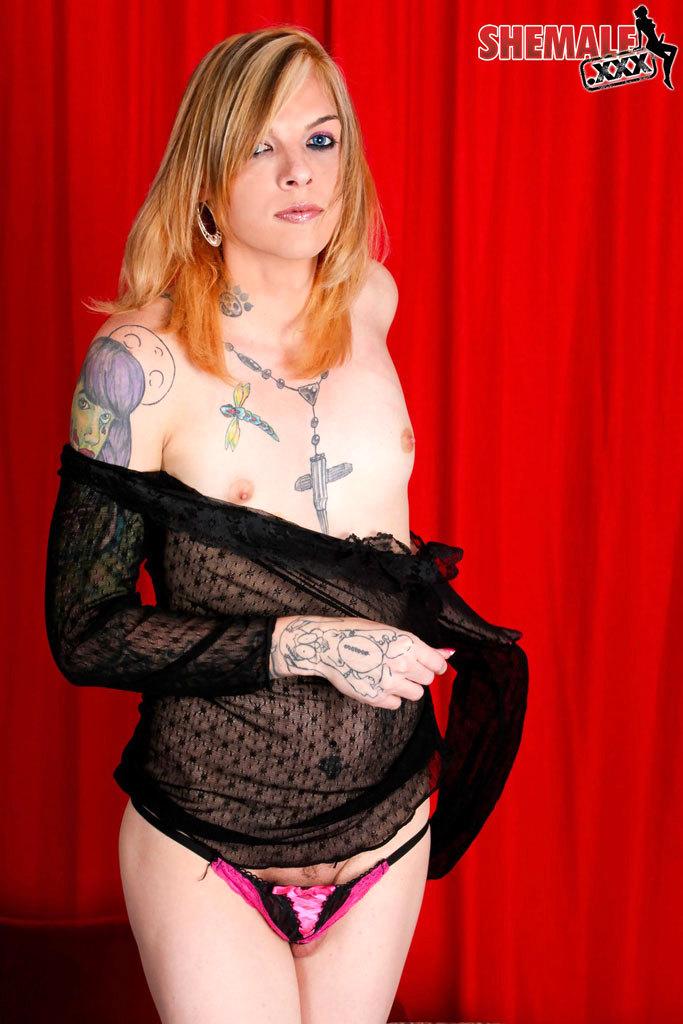 Tattooed Alternatie T-Girl Babe