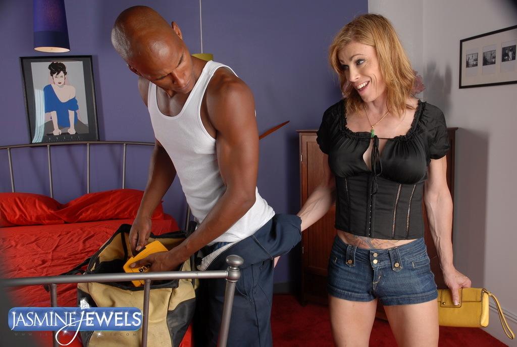Titillating TS Jasmine Jewels Riding On An Big Black Cock
