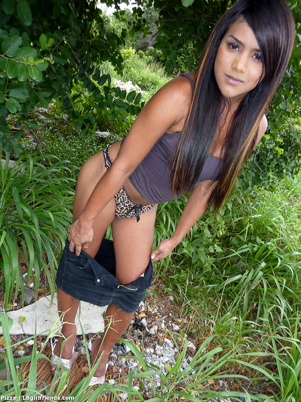Tranny Amateur Sneaks Off The Road To Stroke And Sperm In The
