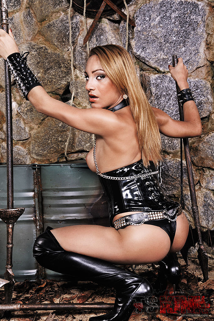 Tranny Mistress Mylena Shows Us Off In Leather