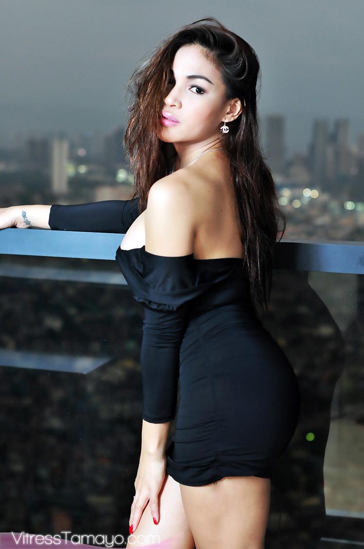 Trans Chick Vitress Tamayo Cumming Raw In Her Black Skirt