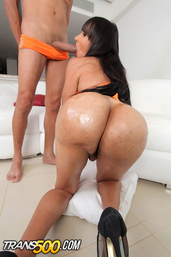 Watch The Arousing Transsexual Dubraska Ramirez Take In Massive Coc