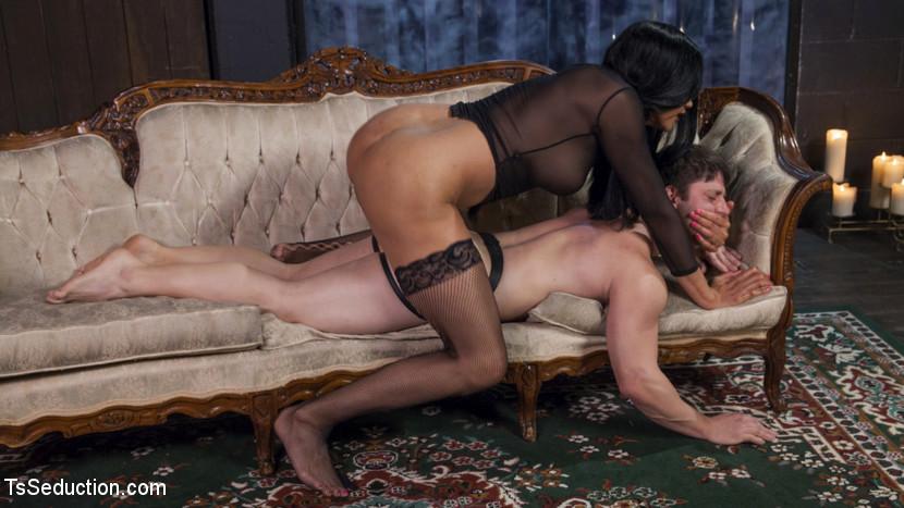 Yasmine Lees Relentless Raw Pounding Dick