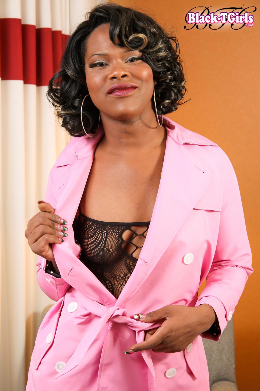 Yummy Gemini Has A Sensual Slender Body, Natural Breasts, A Provocative Bub