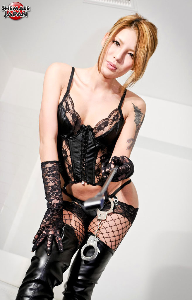 Yummy Newhalf In Lace And Leather